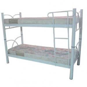 Beliche tubular duas camas com proteção e escada.